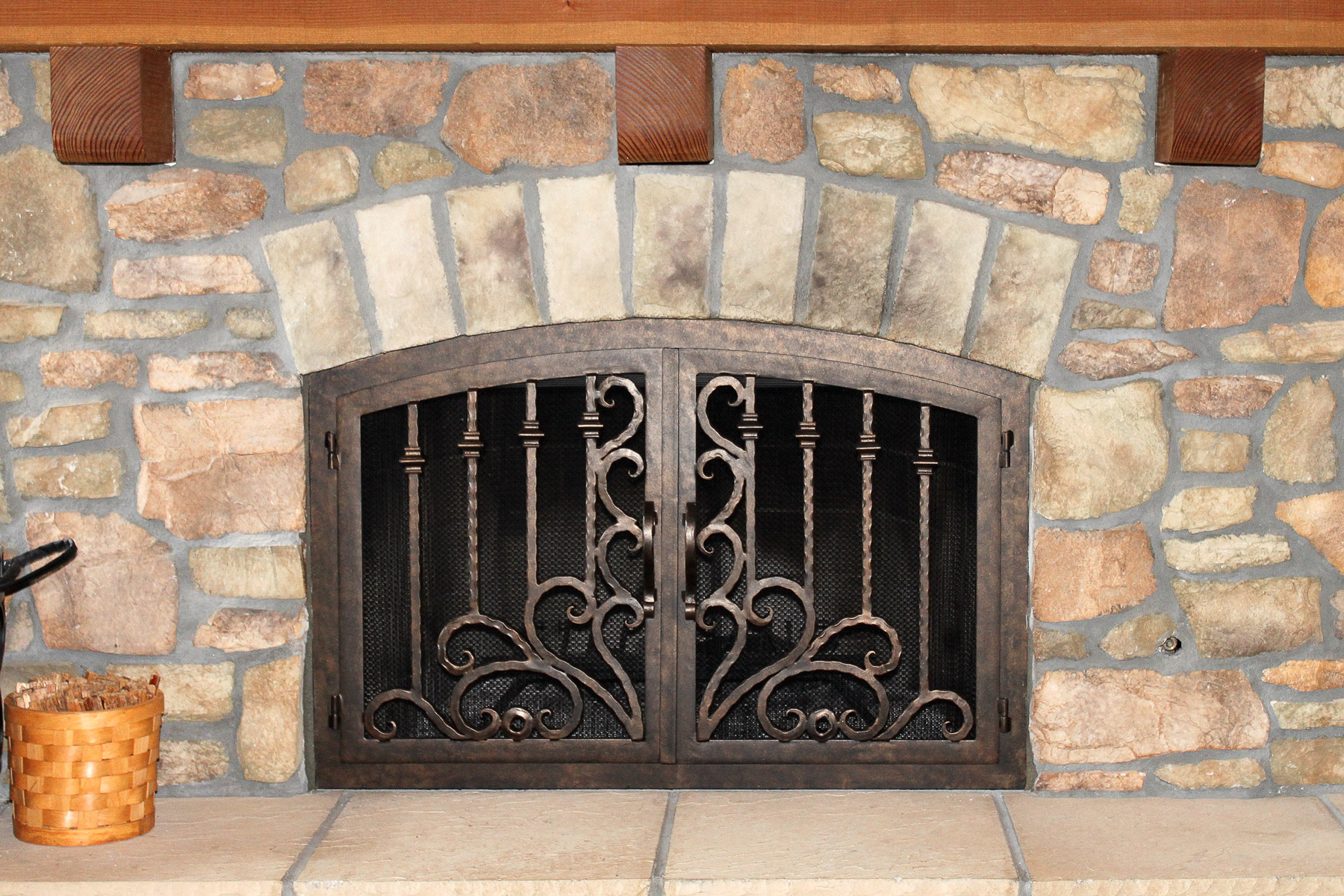 Arcadia 10 Arch Fireplace Door