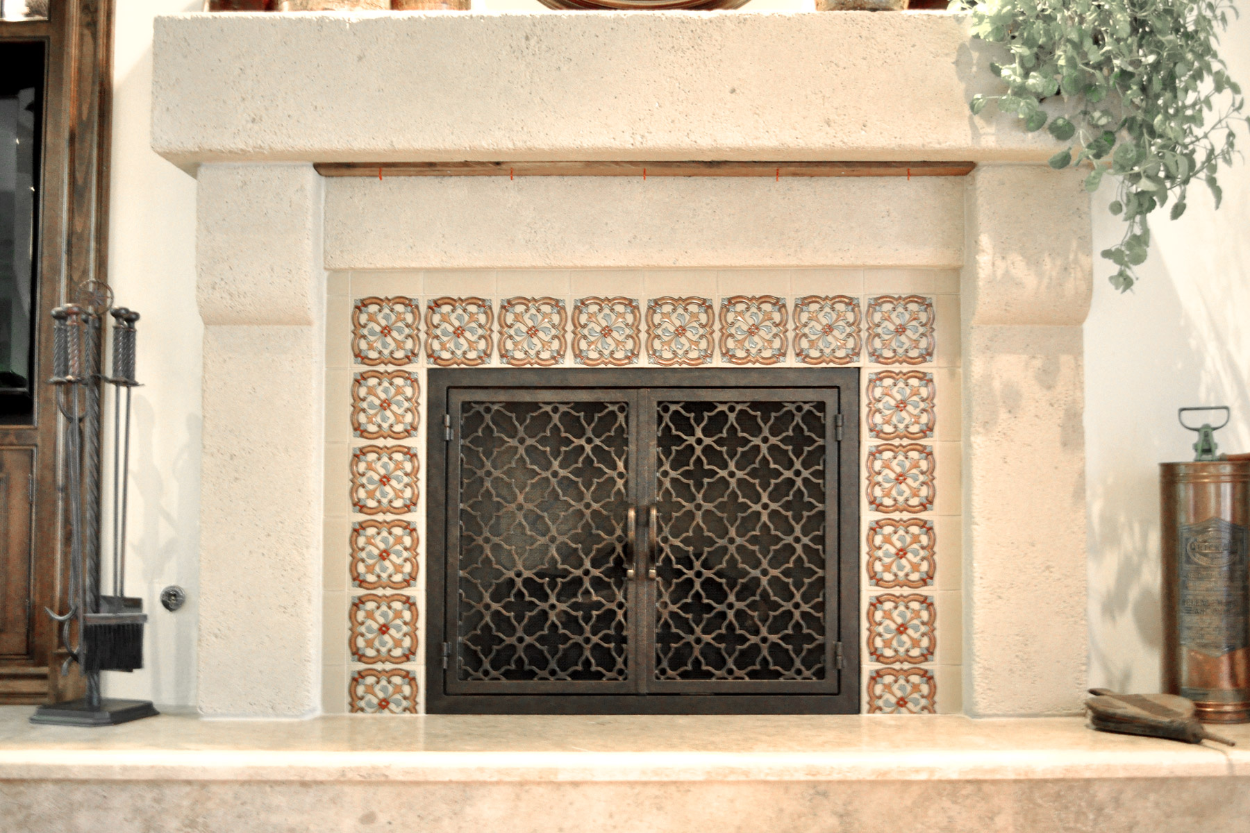 Batista 11 Fireplace Doors