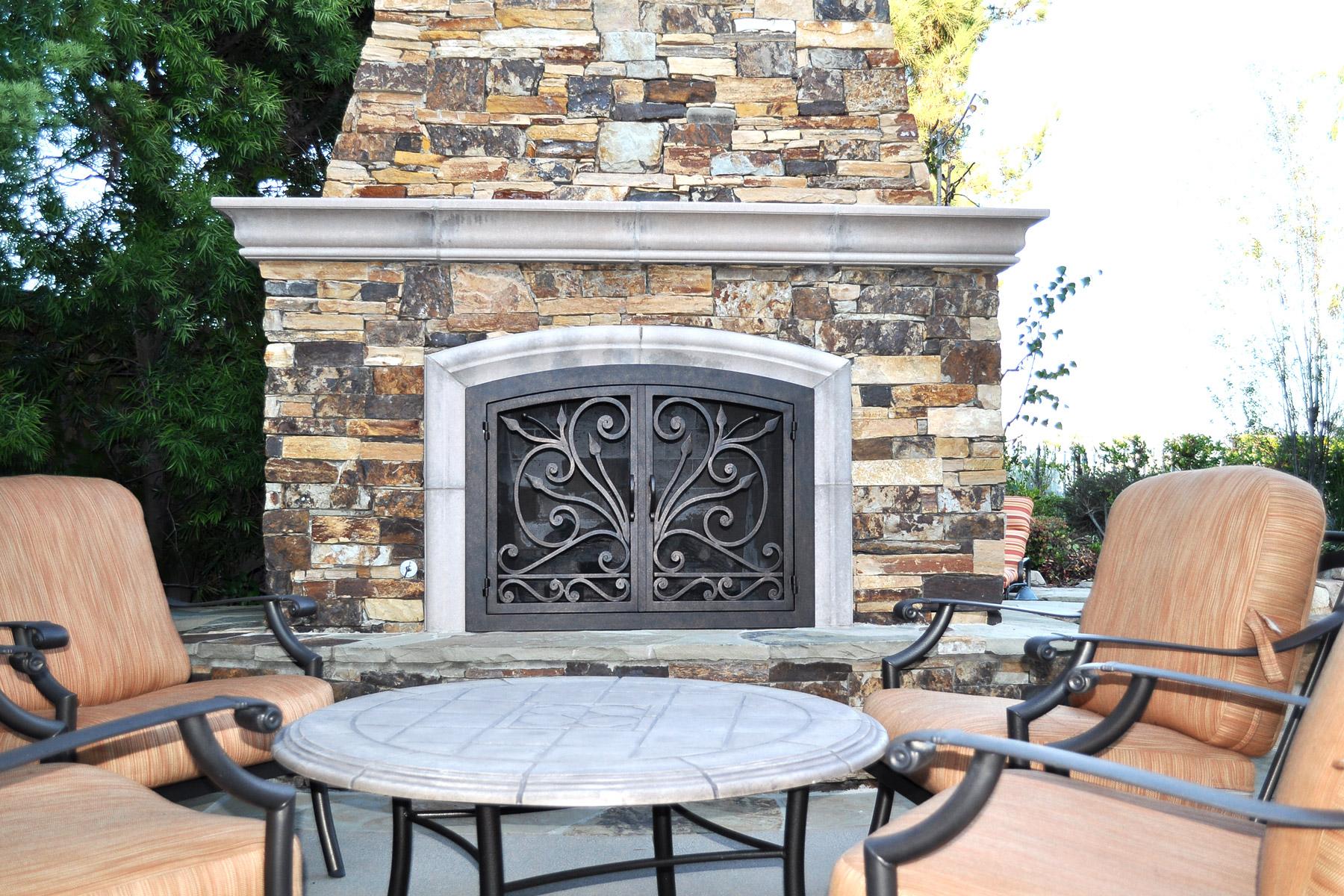 Big Sur 5 Arch Fireplace Door