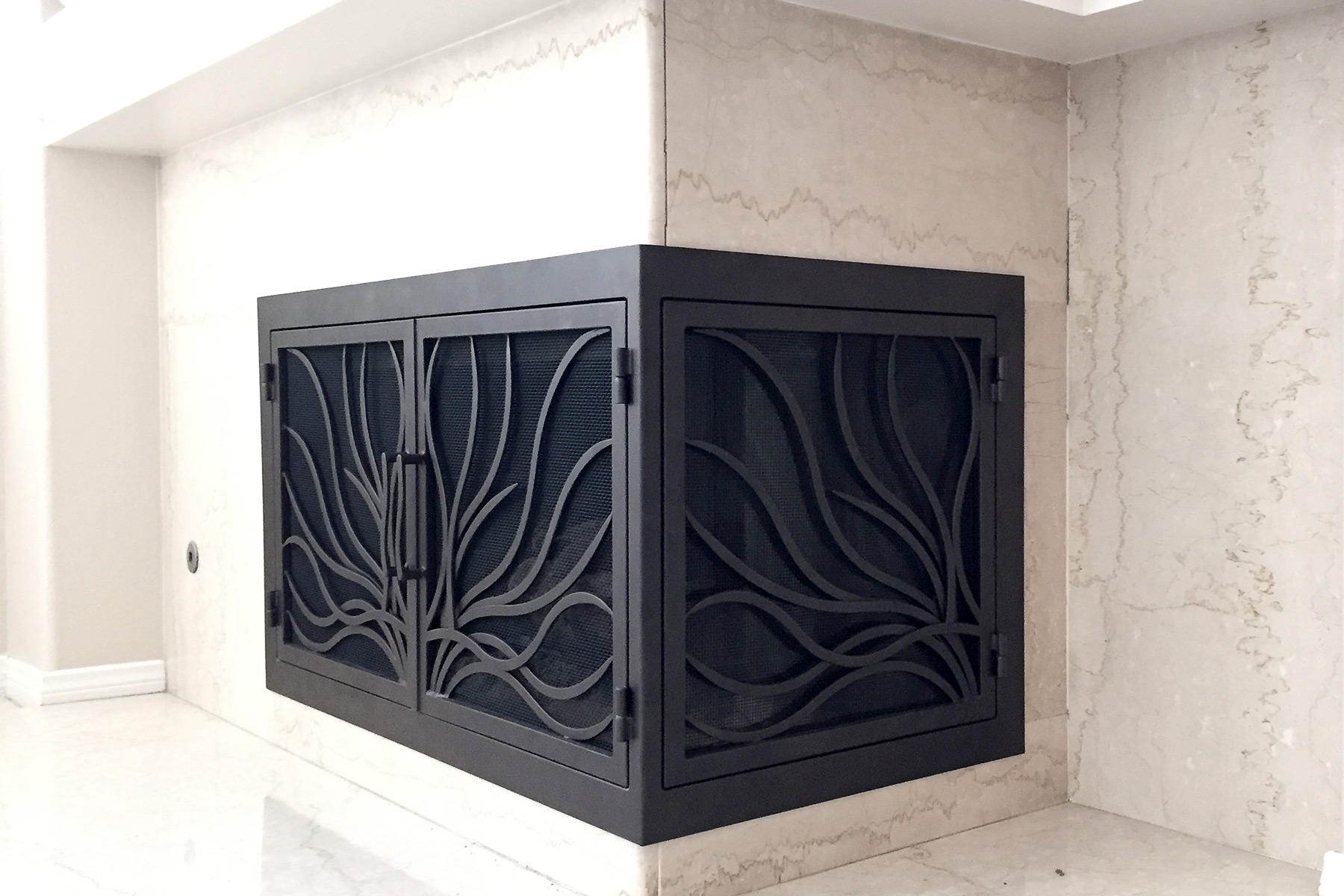 Coral 15 L-Shape Fireplace Door
