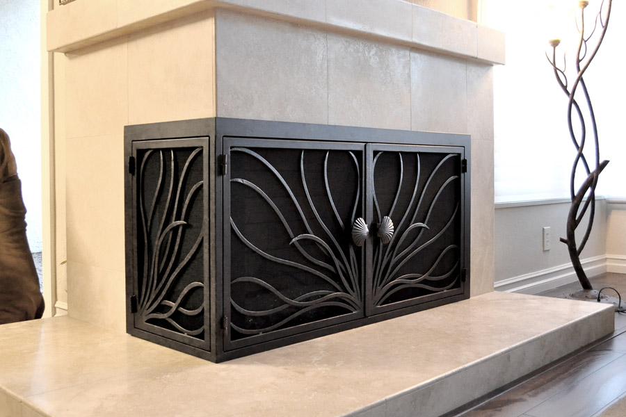 Coral 15 L Shape Fireplace Door