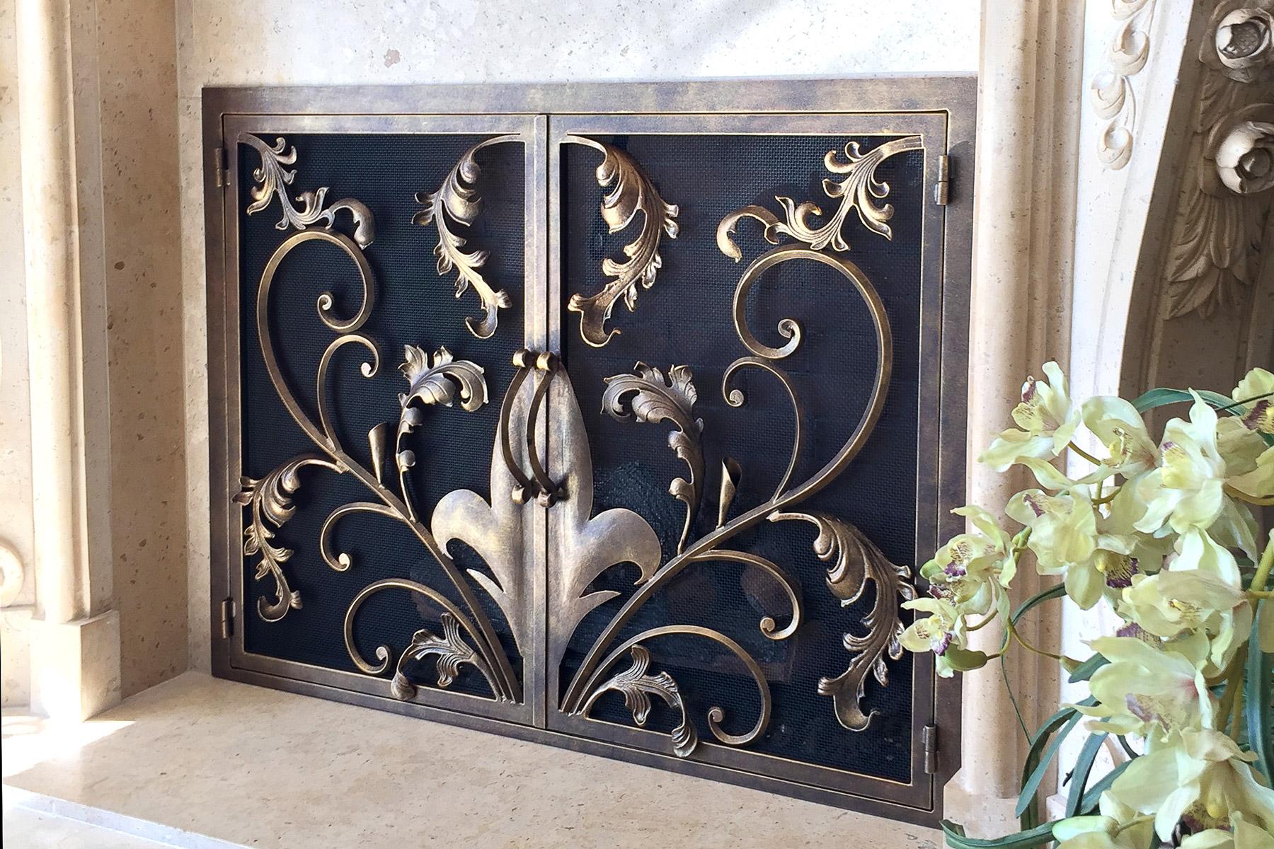 Goldwin Fireplace Door
