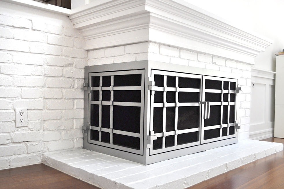 Mission 18 L-Shape Fireplace Door AMS