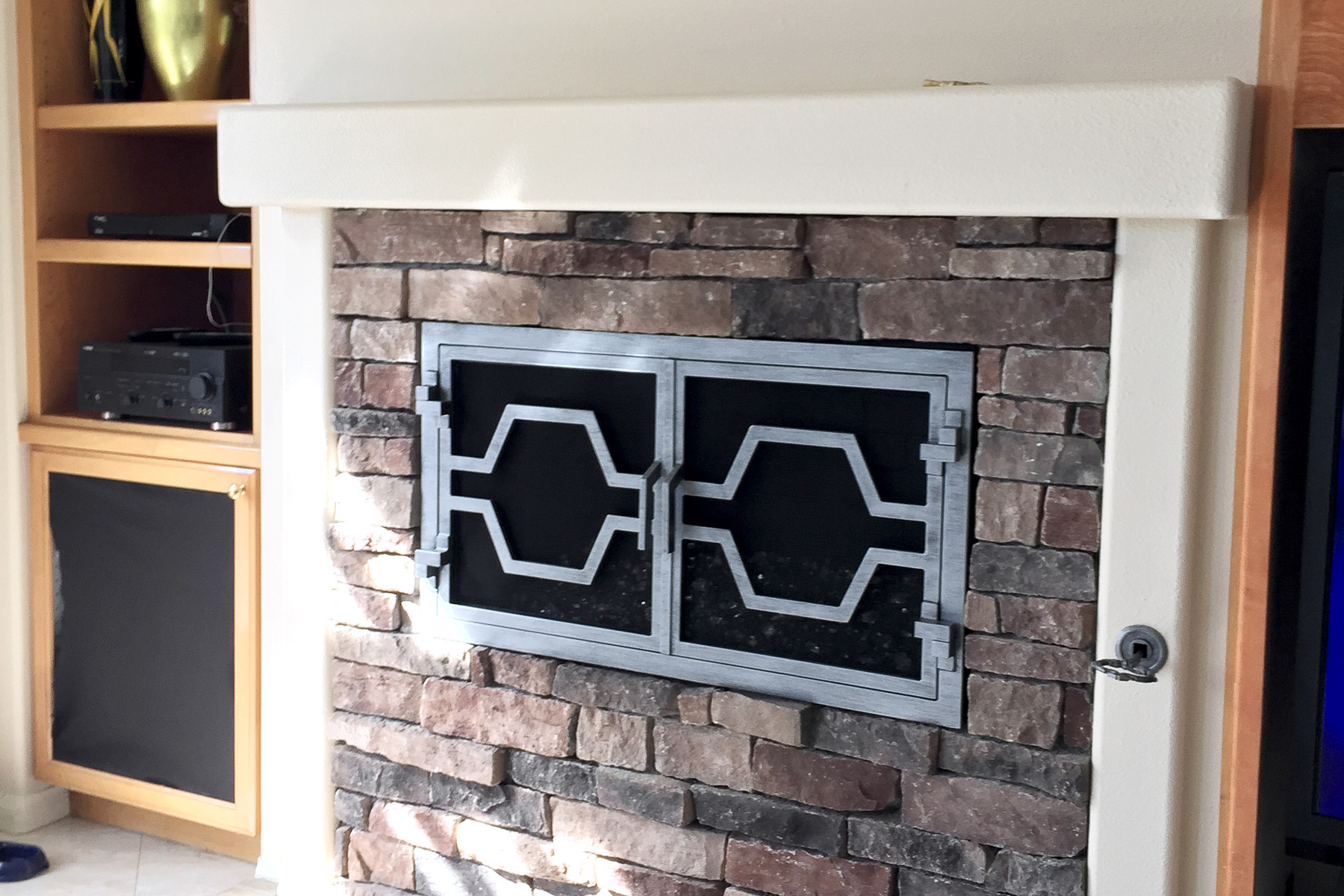 Ovation 37 Fireplace Door