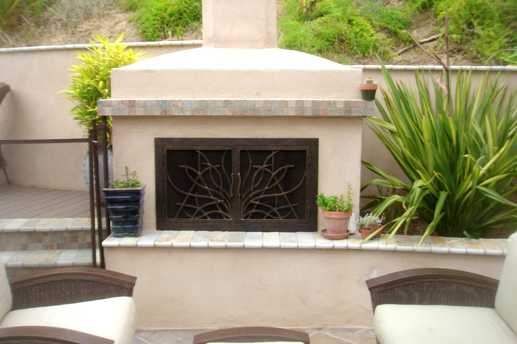 Saratoga Outside Fireplace Door