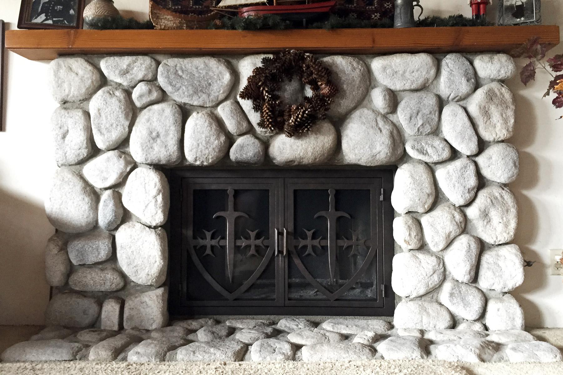 Stark 31 Fireplace Door