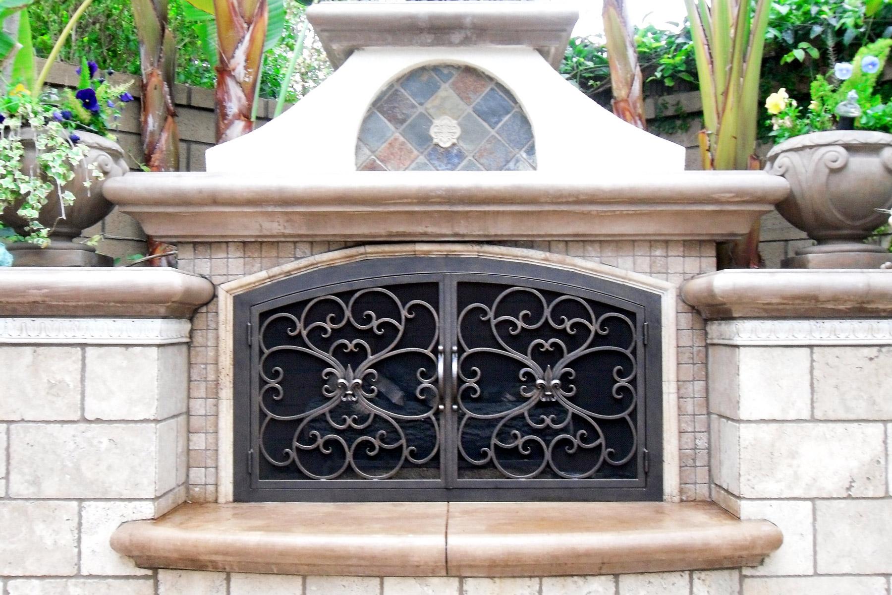 Valencia 2 Arch L-Shaped Door