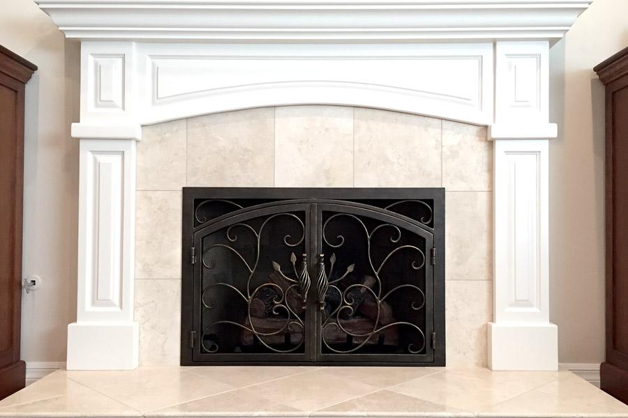 Vineyard 32 Arched Rectangular Fireplace Door