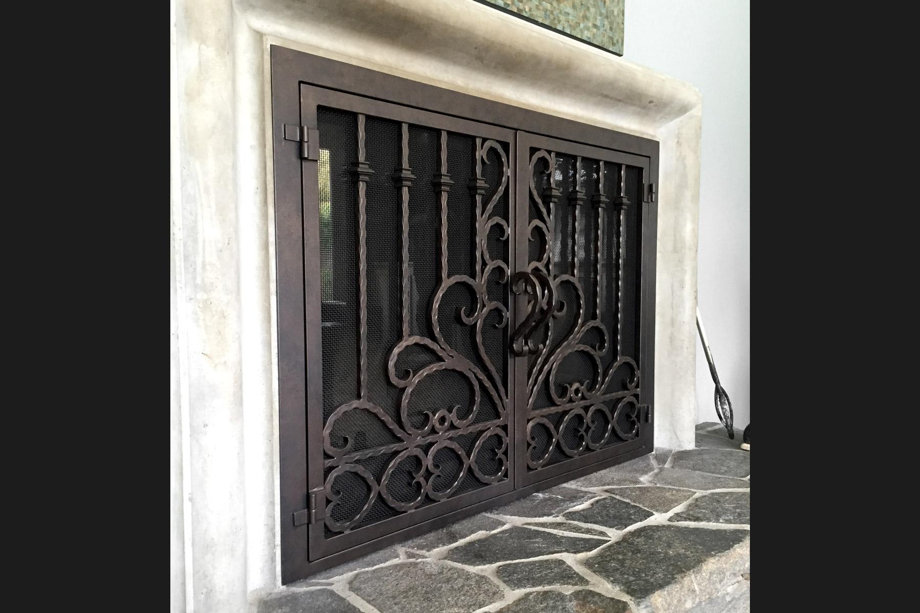 Lannister 42 Fireplace Door